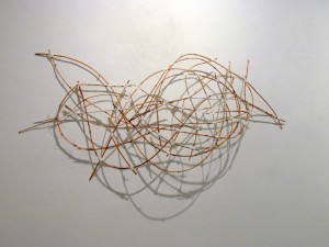 Wellen, 2015, 61x115x13 cm, Strandhafer, Garn, Acrylfarbe